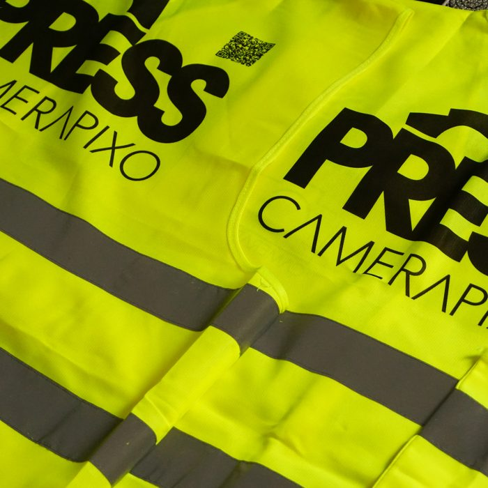 benefits-press-card-dedicated-photojournalist-vest